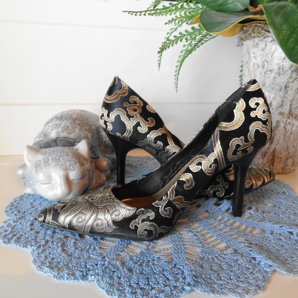 9 & CO. Shoes - Gorgeous shoes in size 6.5M from 9 & CO.